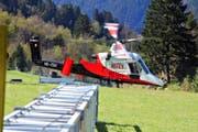Der Rotex-Helikopter vom Typ K-Max wird für Lastentransporte eingesetzt – zum Beispiel beim Seilbahnbau oder im Forst. (Bild: PD)