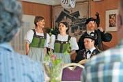 Die Geschwister Rymann bei ihrem Auftritt am1. Schacherseppli-Fest im Restaurant Bahnhof in Giswil. (Bild Adrian Venetz)