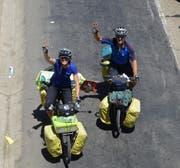 Monika Estermann und Robert Spengeler fahren auf ihren Velos durch 64 Länder. Hier sind sie in Bolivien. (Bild: PD)