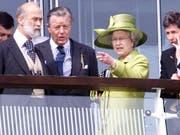 Prinz Michael of Kent (links), der Cousin der britischen Königin Elizabeth II., besucht Luzern anlässlich einer Ausstellung im historischen Museum. (Bild: KEYSTONE/EPA PRESS ASSOCIATION/SEAN DEMPSEY)