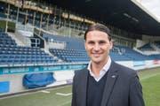 Der neue Trainer des FC Luzern, Gerardo Seoane, posiert in der Swissporarena. (Bild: Urs Flüeler / Keystone (Luzern, 9. Januar 2018))