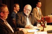 Reto Habermacher im Gespräch mit «Greedi-üüsä»-Moderator Ruedi Bomatter (links). (Bild: Florian Arnold (Altdorf, 15. Dezember 2017))