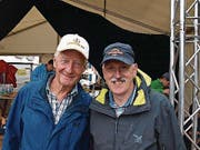 """Josef """"Gumper"""" Odermatt (links) und Wiesenberg-Jodler Franz Lussi. (Bild: Kurt Liembd (NZ) (Nidwaldner Zeitung))"""
