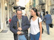 Christoph Ammann mit Reisebegleiterin Vanessa Bay auf Malta. (Bild: Dominik Buholzer (November 2017))