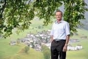 Peter Scheuber hat von seinem Heim aus den Blick in die Weite. (Bild Corinne Glanzmann)