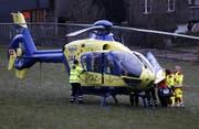 Die Schwere der Verletzungen erforderten einen Helikopter-Einsatz. (Bild: Geri Holdener, Bote der Urschweiz)