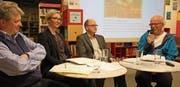 Von rechts: Christof Hirtler bei der Podiumsdiskussion zusammen mit Staatsarchivar Hans Jörg Kuhn sowie den Staatsarchiv-Mitarbeitern Carla Arnold und Rolf Gisler-Jauch. (Bild: Remo Infanger (Altdorf, 22. März 2018))