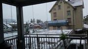 Wir danken dem Leser Daniel Bremgartner, der uns auf Facebook dieses Bild eines verschneiten Hausdaches aus Gais Appenzell geschickt hat. (Bild: Daniel Bremgartner)