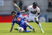 Luzerns Francisco Rodriguez im Duell gegen Jagne Pa Modou von Sion. (Bild: VALENTIN FLAURAUD/Keystone)