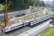 Täglich fahren rund 550 Züge an der Grossbaustelle zwischen Aarau und Olten vorbei. (Bild: Keystone / Urs Flüeler)