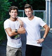 Eine vertrauensvolle Brüder-Beziehung: Nicholas (links) und sein jüngerer Bruder Tobias Walker. (Bild Stefan Kaiser)
