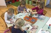 In der Spielgruppe lernen Kinder zusammen mit gleichaltrigen «Gspändli» zu zeichnen, zu basteln und zu spielen.Bild: PD
