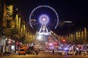 Die Champs-Élysées wurde abgeriegelt. (Bild: EPA/ETIENNE LAURENT)