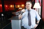 Bald können in Cham Karaoke-Sänger auftreten. Auch der Betreiber Manfred Bucher wird hier immer mal selber wieder zum Mikrofon greifen.