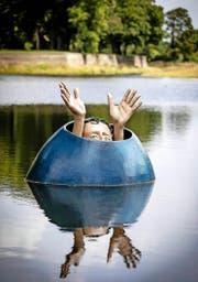 Im holländischen Den Bosch schwimmt derzeit diese Skulptur, die von Hieronymus Bosch inspiriert ist. (Bild: Keystone)