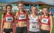 Die U20-Staffel der LG Unterwalden mit Noëmi Jakober, Julia Niederberger, Sandra Röthlin und Tina Baumgartner (von links) freut sich über Sieg. (Bild: Hanspeter Roos (Jona, 17. September 2017))