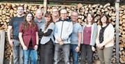 Das Team der Altdorfer Trachten-Theatergruppe führt an fünf Abenden im Monat Mai den Dreiakter «Perfekt organisiärt» auf. (Bild: PD (Altdorf, April 2017))