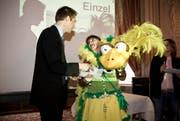 Susi Zai gewinnt den ersten Preis beim Fasnachtsgrende-Wettbewerb. (Bild: Manuela Jans / Neue LZ)