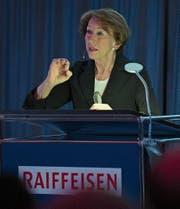 Kommunikationsfachfrau Beatrice Tschanz referiert an der Delegiertenversammlung von Raiffeisen Obwalden. Bild: PD