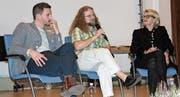 Die drei Podiumsteilnehmer; von links: Rolf Sommer, Andy Aschwanden und Ruth Wipfli Steinegger. (Bild: Elias Bricker (Altdorf, 4. November 2017))