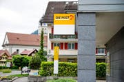Tafeln bei der Poststelle Wolfenschiessen. (Bild Corinne Glanzmann)
