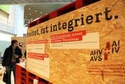 «Wer arbeitet, ist integriert» zeigt die Wanderausstellung anlässlich des 50-jährigen Jubiläums der Invalidenversicherung im Jahr 2010. (Bild: Neue LZ (Archiv) / Laura Vercellone)