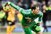 FCL-Urgestein David Zibung hofft, dass er als Stammtorhüter mit seinem Verein noch einen Pokal gewinnen kann. (Bild: Freshfocus/Urs Lindt)