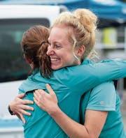 Emotionale Momente mit Freunden teilen – glückliche Läuferinnen nach dem Rennen. (Bilder: Roger Zbinden (Melchsee-Frutt, 19. August 2017))