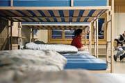 Asylbewerber im Schlafbereich der Unterkunft. (Bild: Manuela Jans-Koch (Glaubenberg, 3. Dezember 2015))