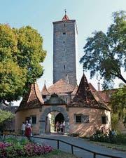 Das Burgtor – Eingang zur alten Stadt.