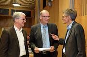 Ständerat Erich Ettlin, Markus Ritter, Präsident Schweizer Bauernverband, und Nationalrat Karl Vogler (von links) referierten bei den Obwaldner Bauern. (Bild: Richard Greuter (Sarnen, 14. November 2017))