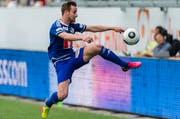 Jerome Thiesson von Luzern kontrolliert den Ball. Archivibld: Partie zwischen dem FC St. Gallen und dem FC Luzern im Mai 2016. (Bild: KEYSTONE/Sebastian Schneider)