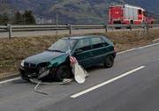 Wegen herumfliegenden Trümmerteilen wurde auf der Artherstrasse ebenfalls ein Auto beschädigt. (Bild: Geri Holdener, Bote der Urschweiz)