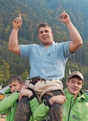 Feiert den Tagessieg: Ueli Rohrer aus Flüeli-Ranft. (Bild: Franz Hess)