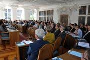 Blick in den Kantonsratssaal im Rathaus in Sarnen. Für die Arbeit hier solls mehr Geld geben. (Bild: Archiv / Neue OZ)