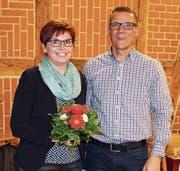 Romy Müller übernimmt das Präsidium des Männerturnvereins Altdorf von Markus Schuler. (Bild: Hans Arnold (23. Februar 2018))
