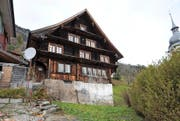 Im gemeindeeigenen Haus Alte Post sollen ab 2017 drei «zahlbare» Mietwohnungen realisiert werden. (Bild: Urs Hanhart/UZ)