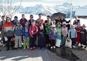 Gruppenfoto der Teilnehmer am Skirennen des Kinderskiklubs Alpenrose. (Bild: PD (Bürglen, 19. Februar 2017))