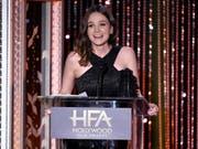 Ein Sieg zum Auftakt: Carey Mulligan eröffnet mit der Auszeichnung als beste Schauspielerin an den Hollywood Film Awards den US-Filmpreisreigen. (Bild: KEYSTONE/AP Invision/CHRIS PIZZELLO)
