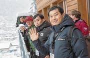 Die südkoreanische Delegation besichtigt den Sprungrichterturm. (Bilder: André A. Niederberger (Engelberg, 16. Dezember 2017))