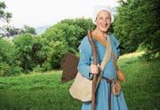 So wird Marie-Therese Zgraggen für SRF als Pilgerin unterwegs sein. (Bild: SRF/Ueli Christoffel (Bildmontage Studio Zürich, 3. Juni 2017))