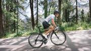 Triathlete Nicola Spirig during practice on the road bike in St. Moritz, Switzerland, on July 18, 2016. (KEYSTONE/Christian Beutler) Triathletin Nicola Spirig trainiert auf dem Rennvelo am 18. Juli 2016 in St. Moritz. (KEYSTONE/Christian Beutler) (Bild: CHRISTIAN BEUTLER (KEYSTONE))