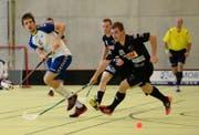 Zugs Steven Fiechter (links) spielt gegen Eggiswils Stefan Bigler. (Bild: Maria Schmid)