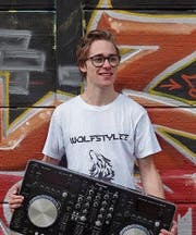 Kay Infanger als DJ WolfstyleZ lädt zur «Night Life Party». (Bild: PD)