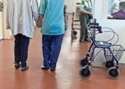 Auch in der Alterspflege werden in den nächsten Jahren komplett andere Anspräche gestellt. (Bild: Gaetan Bally/Keystone (Bern, Oktober 2012))