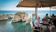 Am Hafen von Byblos kommt bei frischem Fisch und libanesischem Wein Ferienstimmung auf. (Bild: Daniel Ammann)