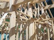 Auch der Dachstuhl des Alpstalls ist vollständig aus Schwander Holz erstellt. (Bild: PD)