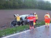 Bei der Frontalkollision zwischen Meisterschwanden AG und Aesch LU wurden beide Fahrzeuge total beschädigt. (Bild: Handout Kantonspolizei Aargau)