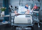 Bevor um 9 Uhr die Arbeiterinnen und Arbeiter in der Schweiz traditionell in die «Znüni-Pause» gehen, haben Unfälle von Versicherten der Suva neben menschlichem Leid bereits Kosten in Höhe von 1,5 Millionen Franken verursacht. (Bild PD)