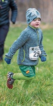 Keiner zu klein, um sich in Sarnen als Crossläufer zu versuchen.